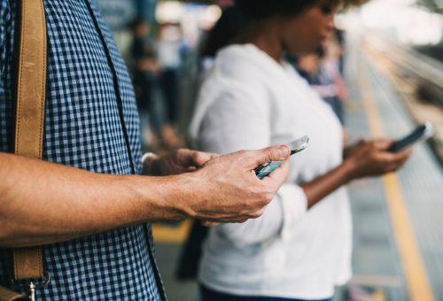 ¿Cómo es el perfil de los usuarios que utilizan redes sociales para informarse?